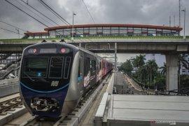 Ini kata artis tentang setahun  MRT Jakarta
