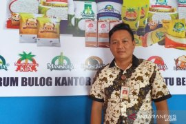 Bulog Belitung datangkan sebanyak 10 ton gula pasir hadapi Imlek 2020
