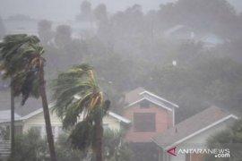 Hujan lebat dan angin kencang diprediksi landa beberapa wilayah Indonesia