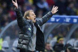 Pelatih Herta Berlin Klinsmann ketinggalan sertifikat pelatih di AS