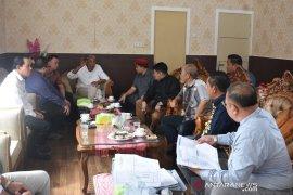 DPRD Kalbar pantau kondisi jalan di Sintang