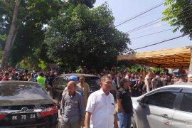Ratusan warga saksikan rekonstruksi tahap dua pembunuhan Jamaluddin
