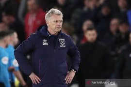 Manajer West Ham khawatir cedera pemain jika kompetisi dilanjutkan
