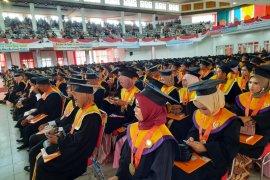 Unja mewisuda 1.012 mahasiswa