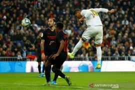 Liga Spanyol. Casemiro antar Real Madrid atasi Sevilla dan naik ke puncak klasemen