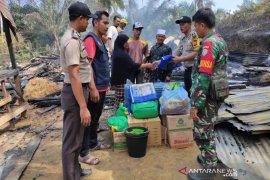 Korban kebakaran rumah di Aceh Timur terima bantuan