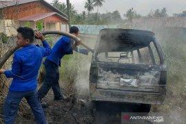Mobil pengangkut BBM ilegal terbakar di Padangsidimpuan