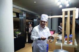 "Nasi goreng buatan ""Chef Firli"" untuk awak media"