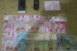 Polres Bangka Barat tangkap dua penjual judi toto gelap