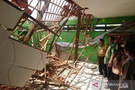 Polres Sampang periksa dua saksi kasus sekolah ambruk