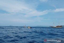 Seluruh penumpang kapal phinisi terbalik di Labuan Bajo selamat