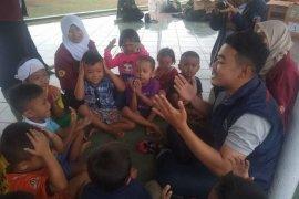 Istri Menteri Sosial salurkan dana kematian untuk korban banjir Lebak