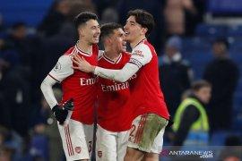 Liga Inggris - Dengan10 pemain Arsenal imbangi Chelsea 2-2