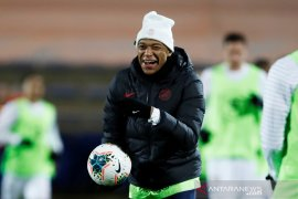 Dampak corona, Mbappe tertunda hijrah ke Real Madrid