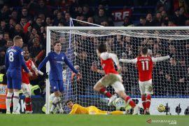 10 pemain Arsenal tahan imbang Chelsea 2-2