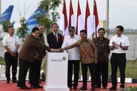"""Berita kemarin, Jokowi resmikan """"runway"""" 3 Soetta hingga BI tahan suku bunga"""