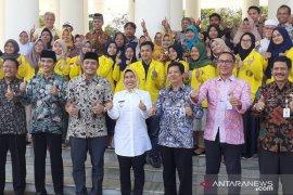 Bupati apresiasi prestasi mahasiswa penerima beasiswa Pemkab Serang