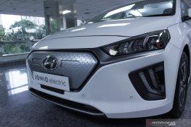 Gaya hidup - Hyundai umumkan harga mobil listrik Ioniq, inden tiga bulan