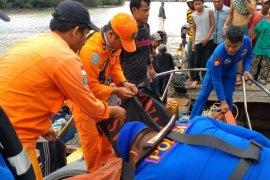 Tim SAR temukan satu ABK KM Winston yang hilang di perairan Batubara