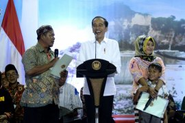 Presiden serahkan dua ribuan sertifikat tanah di Jawa Timur