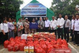 BI Sibolga serahkan bantuan uang tunai dan sembako bagi korban kebakaran