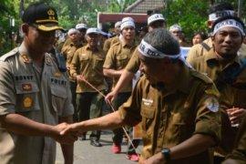 Karyawan Perhutani demo di Madiun, tuntut kesejahteraan dan ganti dirut