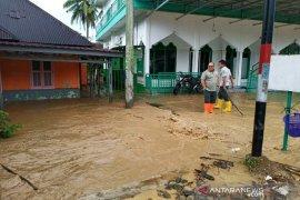 Puluhan rumah terendam di Padangsidimpuan, ini beberapa penyebabnya