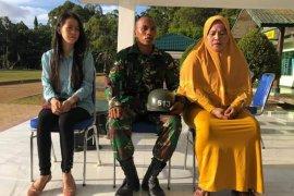Wehelmus Rumbarar, siswa Secaba TNI penyelamat korban tenggelam terima penghargaan