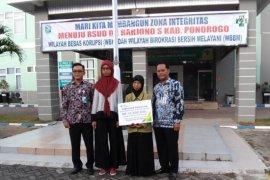 BP-Jamsostek serahkan santunan kematian tenaga kontrak RSUD Ponorogo