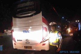 Bus rombongan PWNU Jatim alami kecelakaan di Tol Cipali KM 164