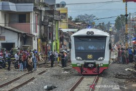 Uji coba perlintasan kereta api Cibatu - Garut