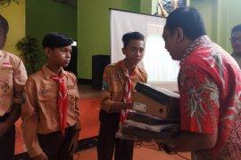 Legislator PDIP sosialisasi Program Indonesia Pintar di SMP Unesa Surabaya
