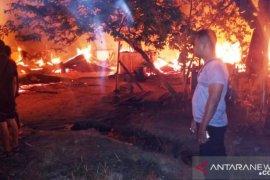 24 rumah karyawan PT.MIR di Tapsel habis terbakar