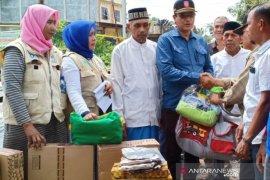Dinsos berikan bantuan kepada korban kebakaran di Aceh Utara