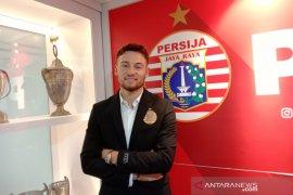 Gelandang Persija Marc Klok senang bergabung kembali dengan rekannya di Persija