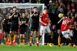 United ditahan seri Wolves saat debut  Fernandes