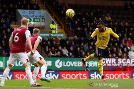 Arsenal tetap di posisi 10 setelah bermain imbang di markas Burnley