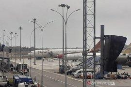 Di Batam WNI dari Wuhan turun dari Batik Air langsung naik Pesawat TNI