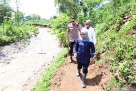 Gubernur Khofifah sebut karhutla penyebab banjir bandang Jember dan Bondowoso