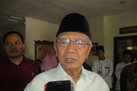 Santri Ponpes Tebuireng Jombang berduka wafatnya Gus Sholah