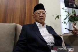 Gus Sholah kritis, santri Tebuireng Jombang gelar doa bersama