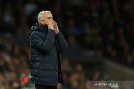 Liga Inggris: Mourinho bantu Liverpool jaga jarak 22 poin