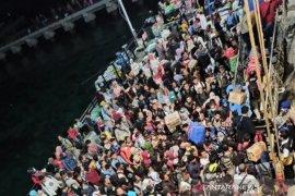 Ratusan warga pilih keluar Natuna setelah WNI dari Wuhan tiba