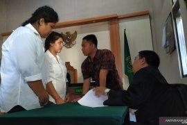 Dua warga Thailand dituntut 19 tahun karena shabu-shabu
