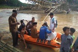 Warga Lebak korban bencana  butuh jembatan gantung