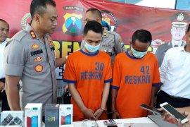 Polisi ringkus dua pembobol toko ponsel di Kediri