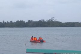 Tim Basarnas Babel lakukan pencarian nelayan hilang di perairan Pulau Nado Belitung