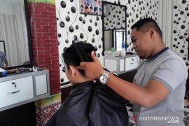 "UINSU buka usaha kreatif ""Barbershop Juara"""