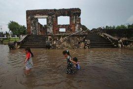 Situs cagar budaya terendam banjir