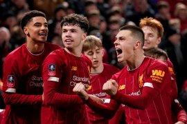 Gol bunuh diri antar tim muda Liverpool ke-16 besar Piala FA
